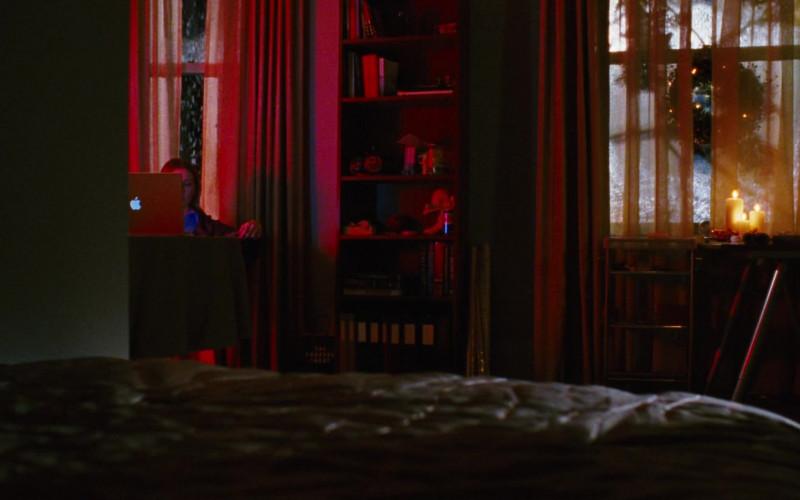 Apple MacBook Laptop of Jessica Harmon as Megan Helms in Black Christmas (2006)
