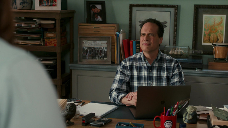 Apple MacBook Pro Laptop of Diedrich Bader as Greg Otto in American Housewife S05E07 Under Pressure (2021)