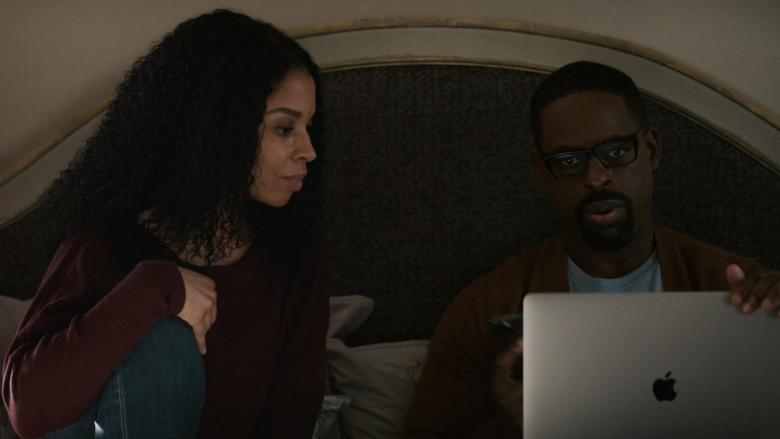 Apple MacBook Pro Laptop of Sterling K. Brown as Randall Pearson in This Is Us S05E05 (3)