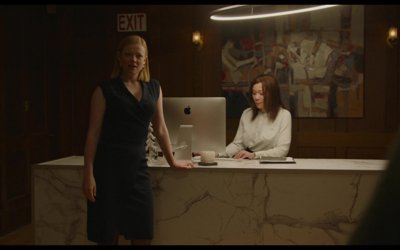 Apple iMac Computer Used by Bonnie Mak as Receptionist in Pieces of a Woman (2020)