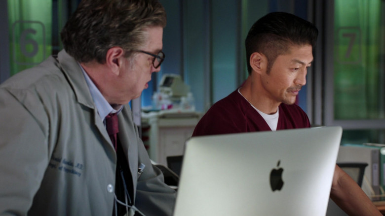 Apple iMac Computers in Chicago Med S06E04 (2)