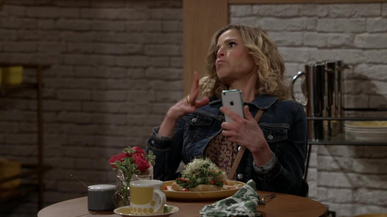 Apple iPhone Smartphone Used by Kyra Sedgwick as Jean Raines in Call Your Mother S01E02 Distressed Jean (2021)