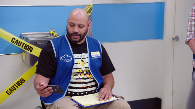 Apple iPhone Smartphone of Colton Dunn as Garrett McNeil in Superstore S06E05