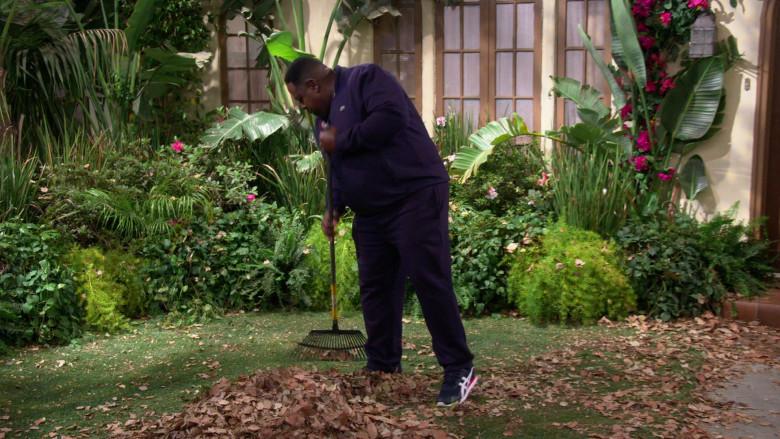 Asics Tiger Runner Men's Trainers of Cedric the Entertainer as Calvin Butler in The Neighborhood S03E08 (1)