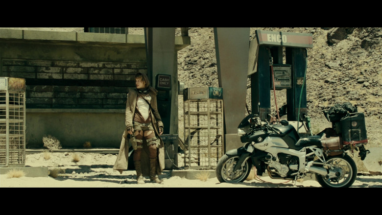 BMW K 1200 R Motorcycle of Milla Jovovich as Alice in Resident Evil Extinction (5)