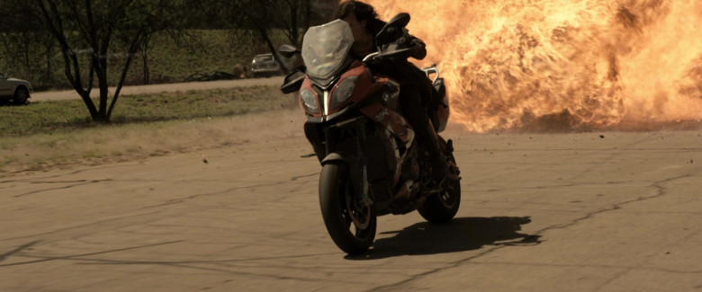 BMW S 1000 XR Motorcycle of Milla Jovovich as Alice in Resident Evil The Final Chapter (8)