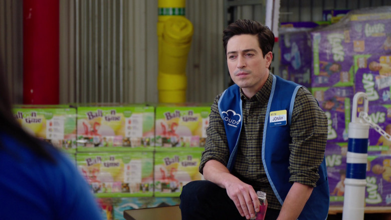 Balloon Time and Luvs Diapers in Superstore S06E07 The Trough (2021)