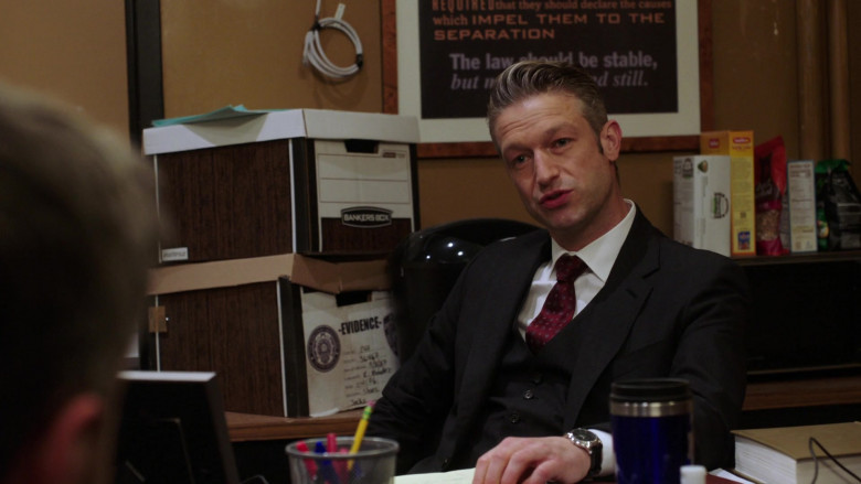 Bankers Box in Law & Order SVU S22E04 Sightless in a Savage Land (2021)