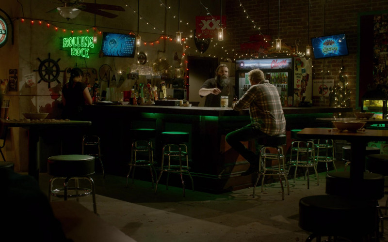 Beck's, Rolling Rock and Cerveza XX Dos Equis Beer Signs in Cobra Kai S03E04