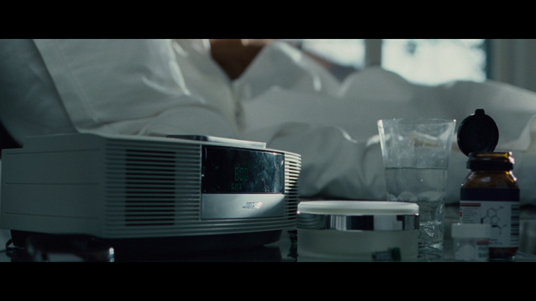 Bose alarm clock in Hanna (2011)