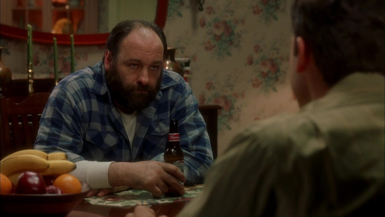 Budweiser Beer Enjoyed by James Gandolfini as Tom Valco in Surviving Christmas (2)