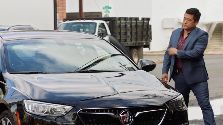Buick LaCrosse Black Car of Tim Kang as Detective Gordon Katsumoto in Magnum P.I. S03E04 (2)