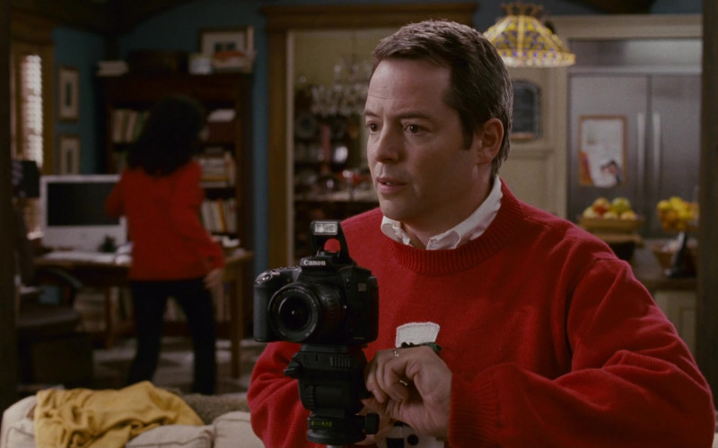 Canon Camera of Matthew Broderick as Dr. Steve Finch in Deck the Halls (2006)