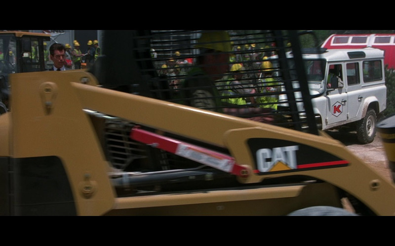 Caterpillar Machines in The World Is Not Enough (1)