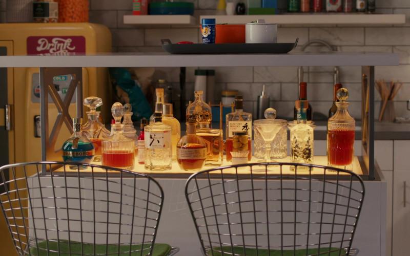 Chambord Liqueur, Roku Japanese Craft Gin, Suntory Whisky Toki in American Housewife S05E06 Mother's Little Helper (2021)
