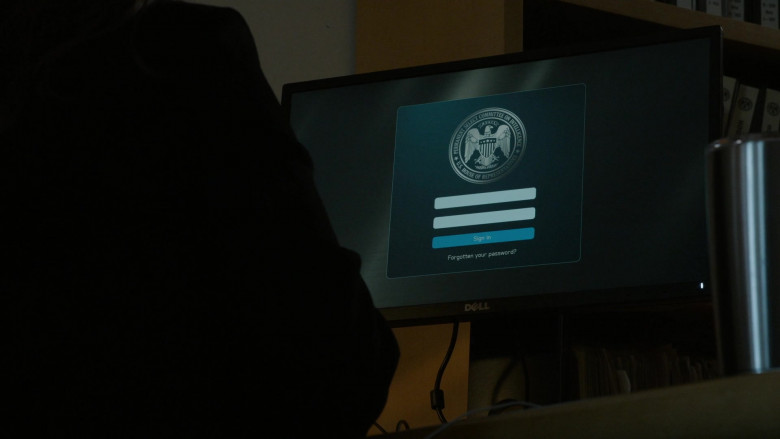 Dell Computer Monitor Used by Donna Lynne Champlin as Guinevere Claflin in The Blacklist S08E04 (1)