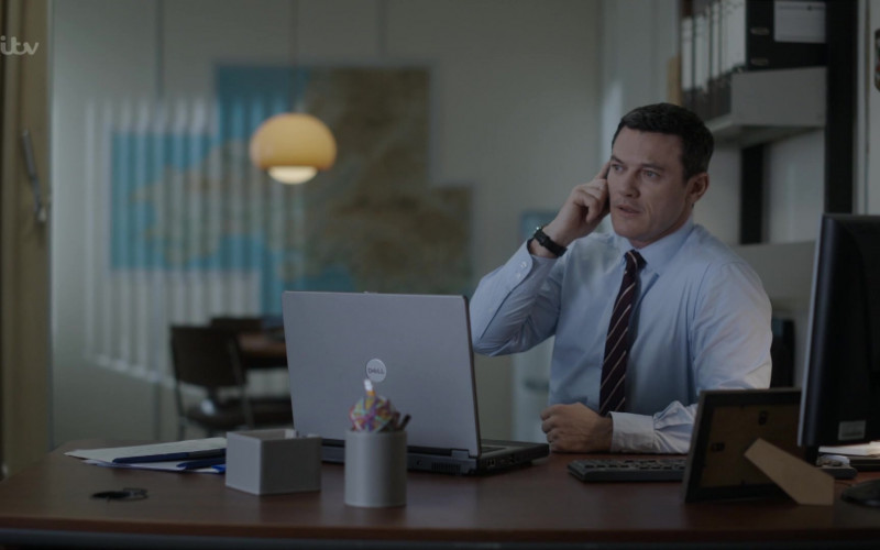 Dell Laptop of Luke Evans as Detective Chief Superintendent Steve Wilkins in The Pembrokeshire Murders S01E01 (2)