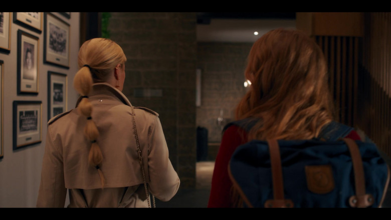 Fjallraven Blue Backpack of Abigail Cowen as Bloom in Fate The Winx Saga S01E01 To The Waters And The Wild (2021)