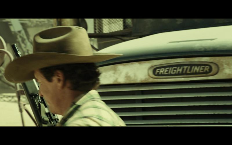 Freightliner FLD 120 Truck in Resident Evil Extinction (1)
