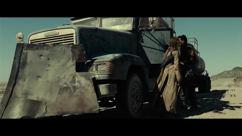 Freightliner FLD 120 Truck in Resident Evil Extinction (2)
