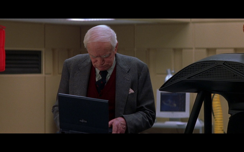 Fujitsu Laptop in The World Is Not Enough (1999)