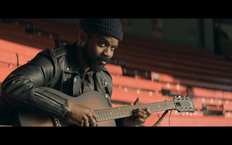 Guild Guitar of Jovan Adepo as Larry Underwood in The Stand S01E03