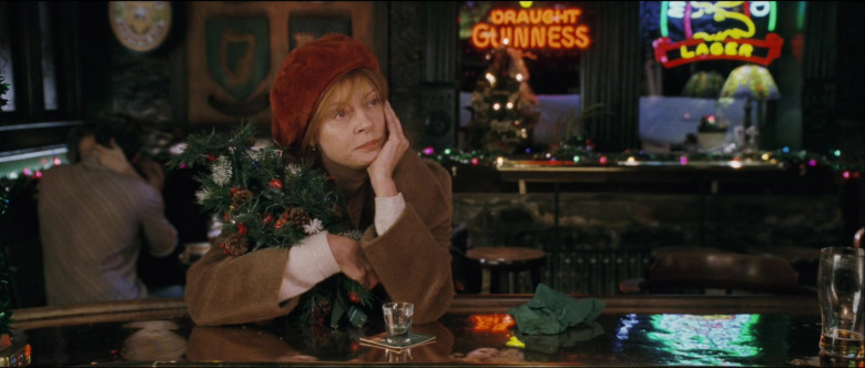 Guinness Draught Sign in Noel Film (1)
