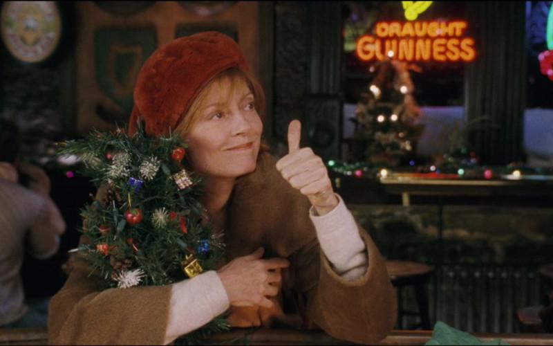 Guinness Draught Sign in Noel Film (2)