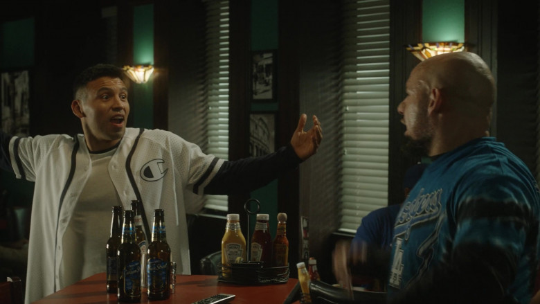 Heinz Yellow Mustard and Ketchup in Cobra Kai S03E01 Aftermath (2021)