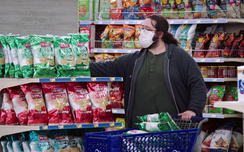 Herr's Chips in Superstore S06E05 Hair Care Products (2021)