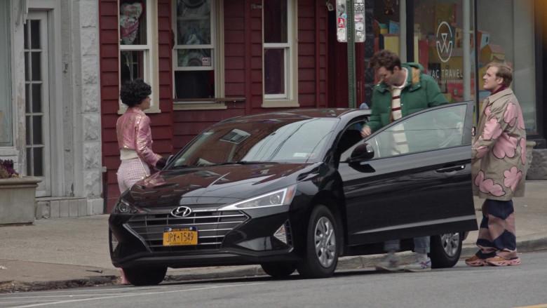 Hyundai Elantra Car in Search Party S04E07 (1)