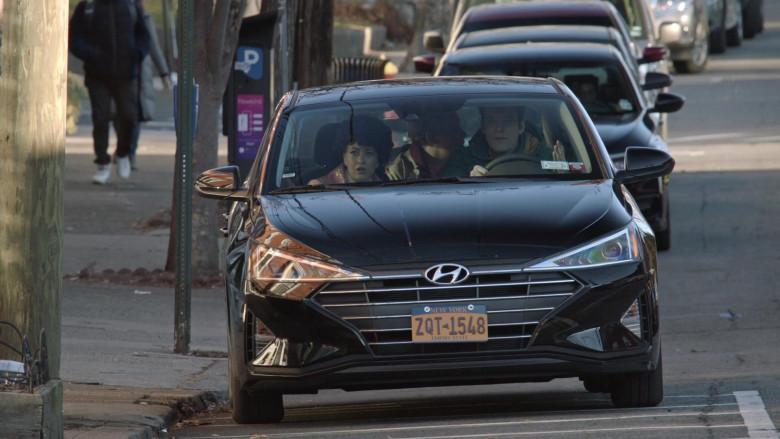 Hyundai Elantra Car in Search Party S04E07 (2)