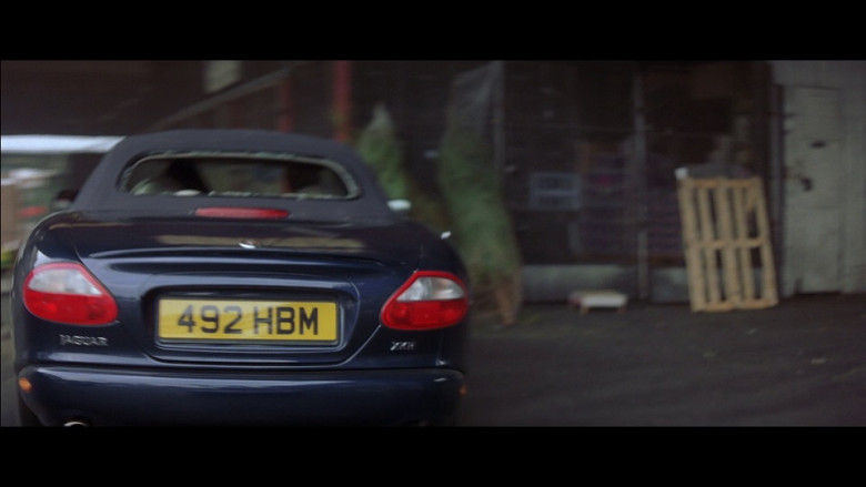 Jaguar Sovereign Car in Entrapment (1999)