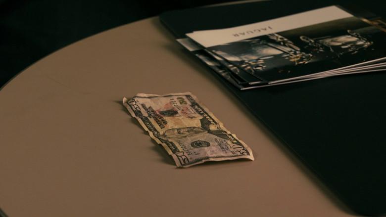 Jaguar brochures in Cash (2010)