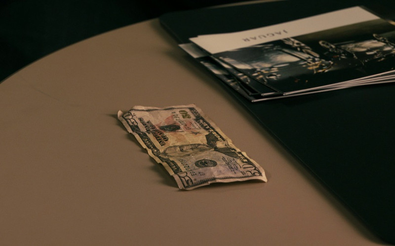 Jaguar brochures in Cash (2010)