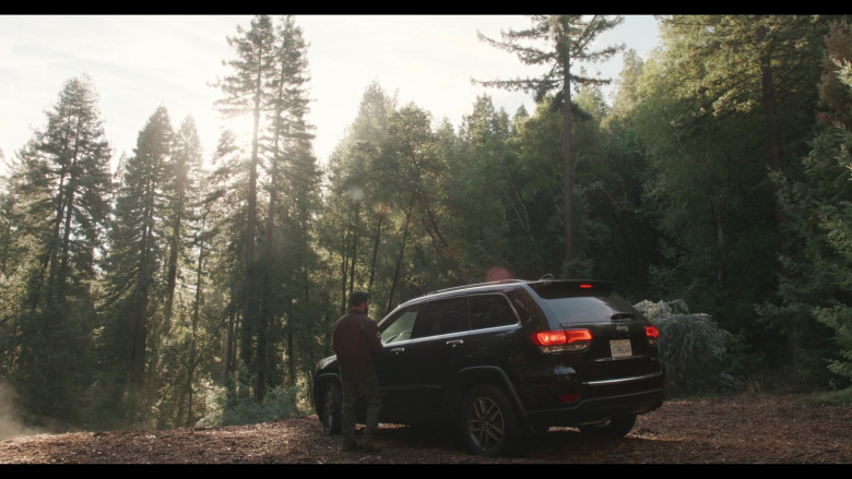 Jeep Grand Cherokee SUV in Everyone Is Doing Great S01E06 What Are You Afraid Of (2021)