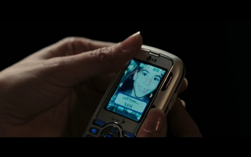 LG Sprint Mobile Phone in Eagle Eye (2008)