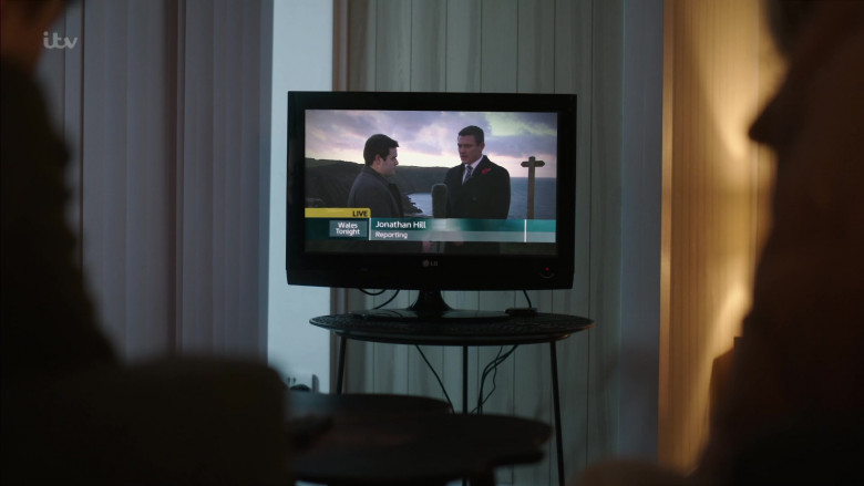 LG Television in The Pembrokeshire Murders S01E01 (2)