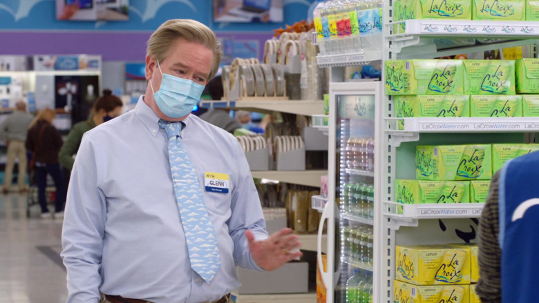 LaCroix Sparkling Water in Superstore S06E07 (1)