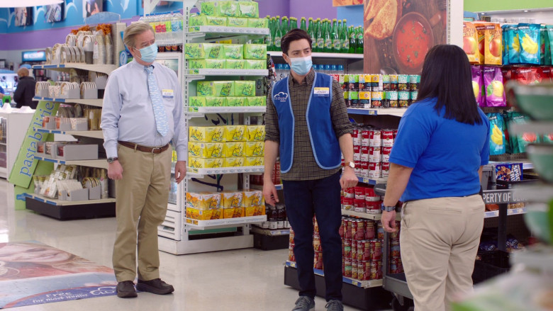 LaCroix Sparkling Water in Superstore S06E07 (2)