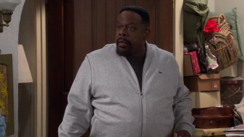 Lacoste Men's Grey Jacket of Actor Cedric the Entertainer as Calvin in The Neighborhood S03E08 (3)