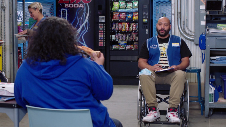 Lay's, Herr's, Fritos, Doritos, Cheetos, M&M's, Twix in Superstore S06E05 Hair Care Products (2021)