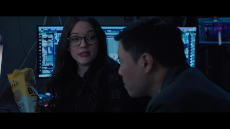 Lay's Oven Baked Original Potato Crisps Enjoyed by Kat Dennings as Darcy Lewis in WandaVision S01E04 (2)