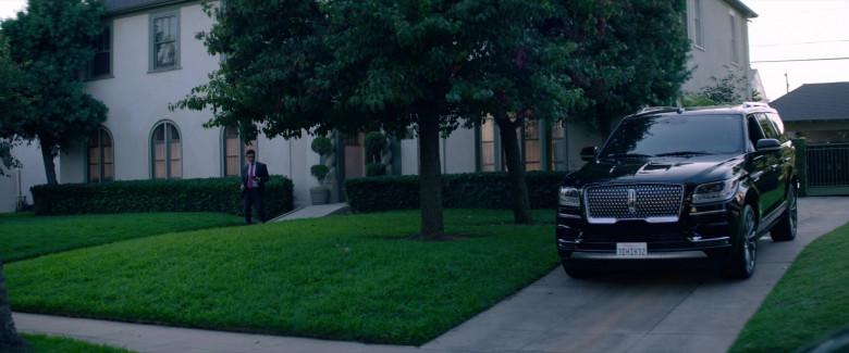 Lincoln Navigator Black Car in Fatale (1)