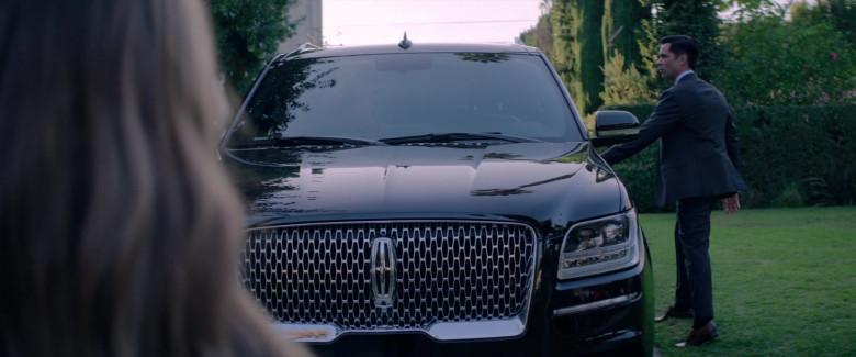Lincoln Navigator Black Car in Fatale (2)