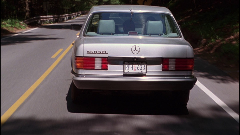 Mercedes-Benz 560 SEL Car in The Bonfire of the Vanities (1990)