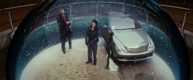 Mercedes-Benz S-Class Car in Fred Claus (2)