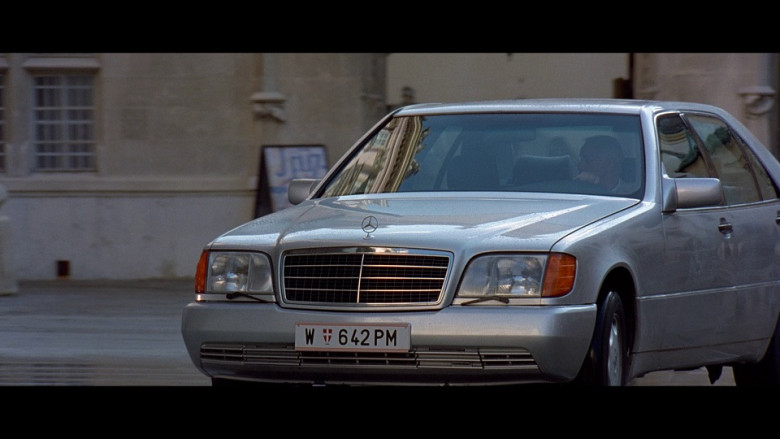 Mercedes-Benz S-Class Car in The Peacemaker (1997)