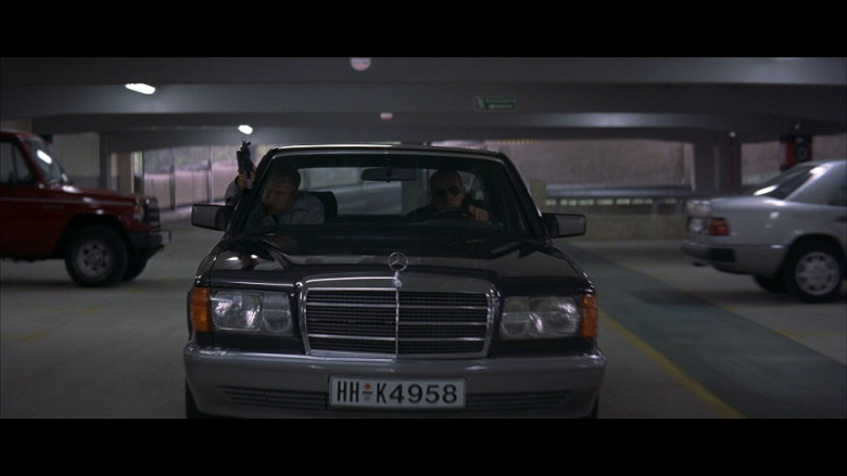 Mercedes-Benz S-Class Cars in Tomorrow Never Dies (1)