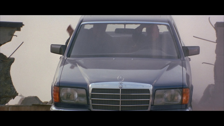 Mercedes-Benz S-Class Cars in Tomorrow Never Dies (2)